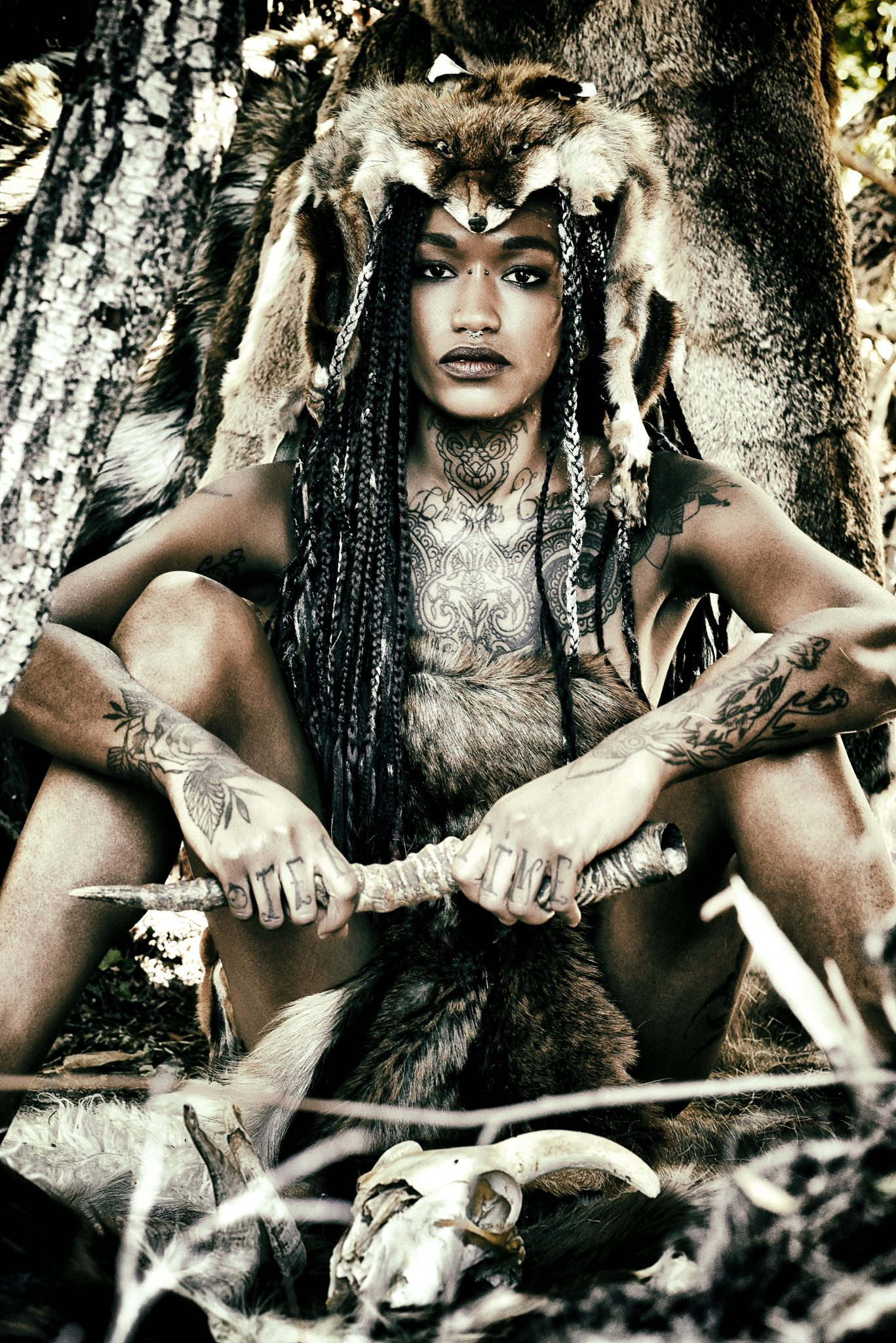 Horde's fashion story primitive fashion roots nature indian native american le dernier etage magazine editorial patrice berchery