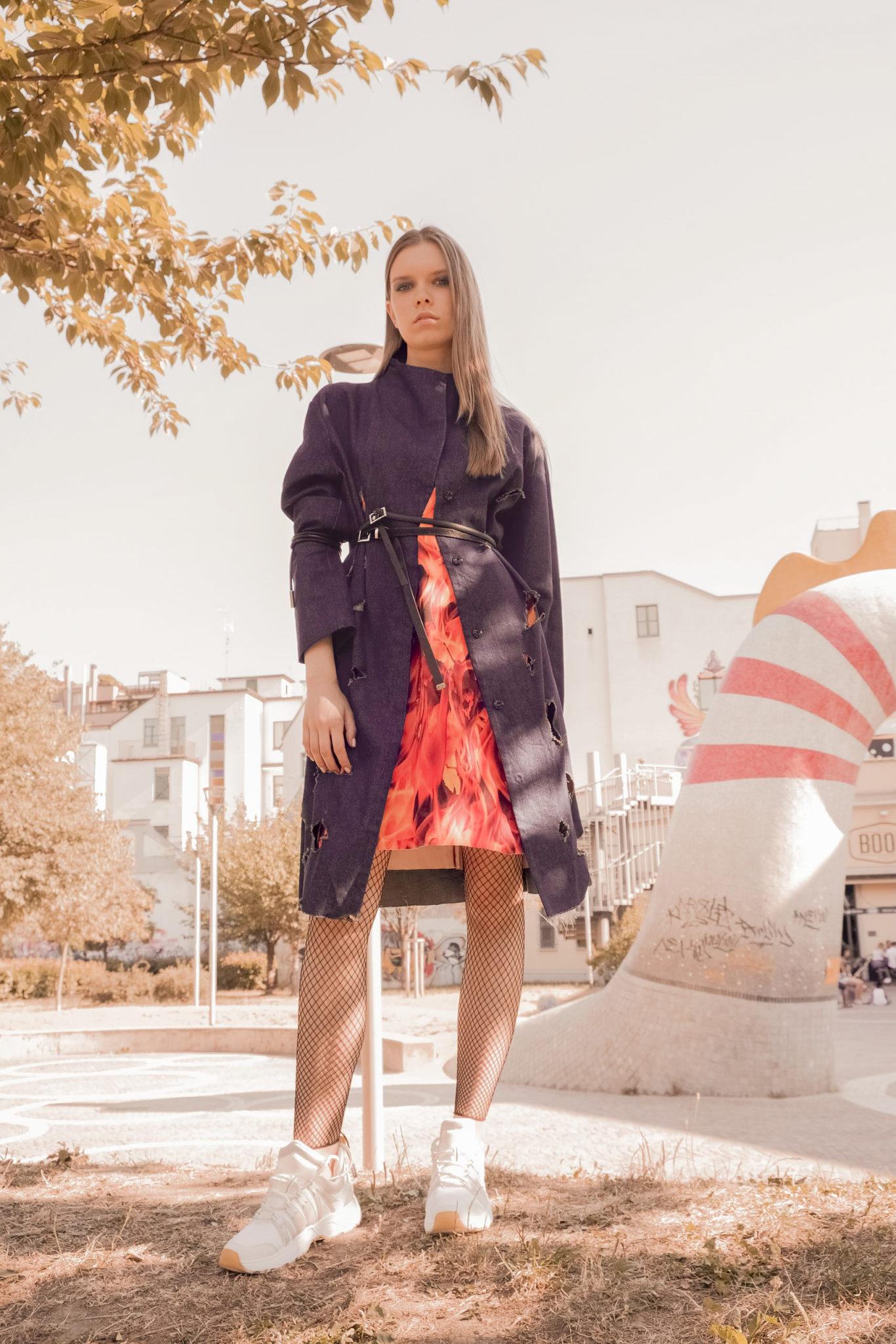 Myriam Tisbo violettes fashion story editorial le dernier etage magazine webzine photography mode webditorial