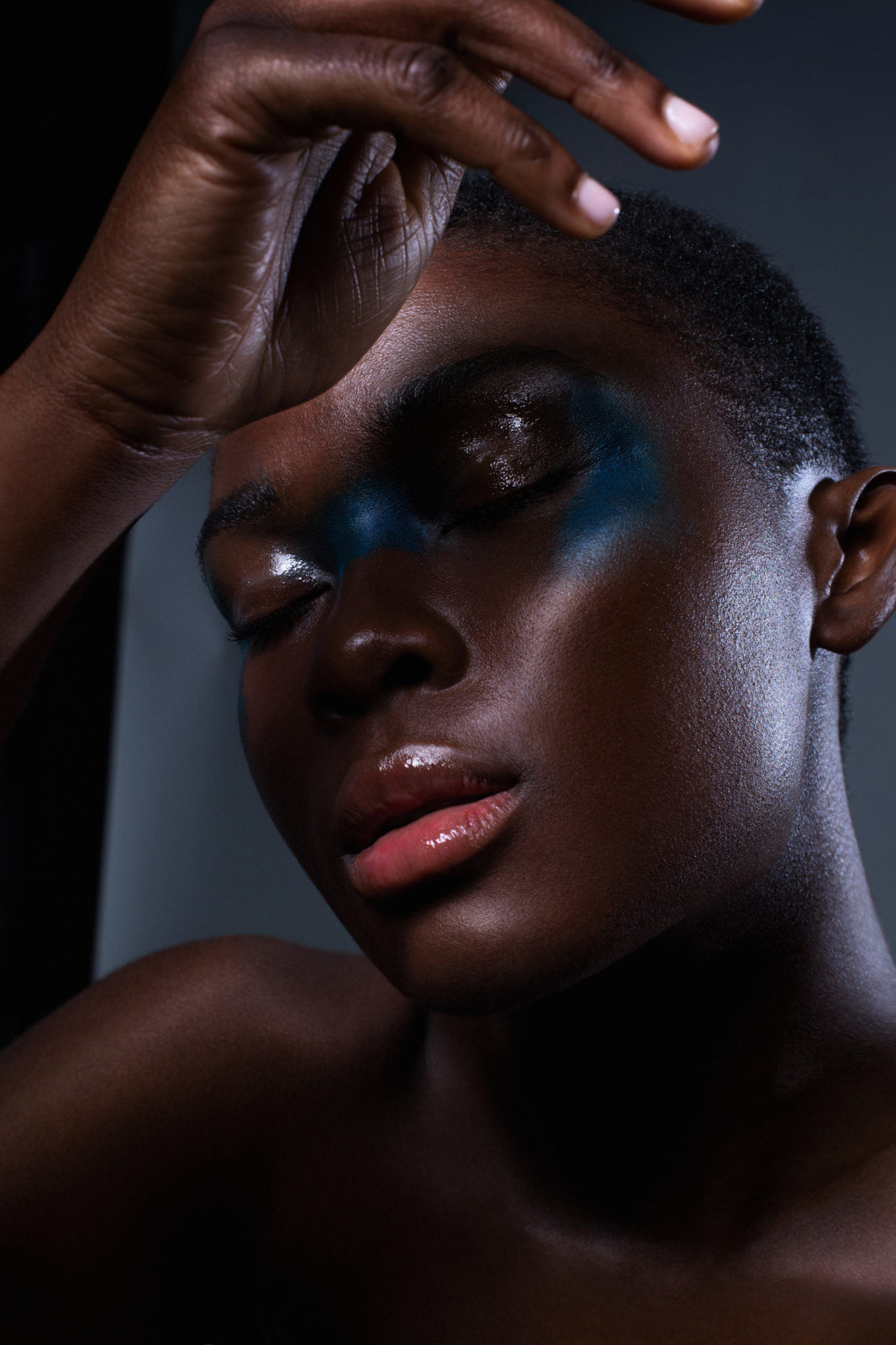 Color my face fashion story beauty editorial make up photography tina picard le dernier etage magazine webzine