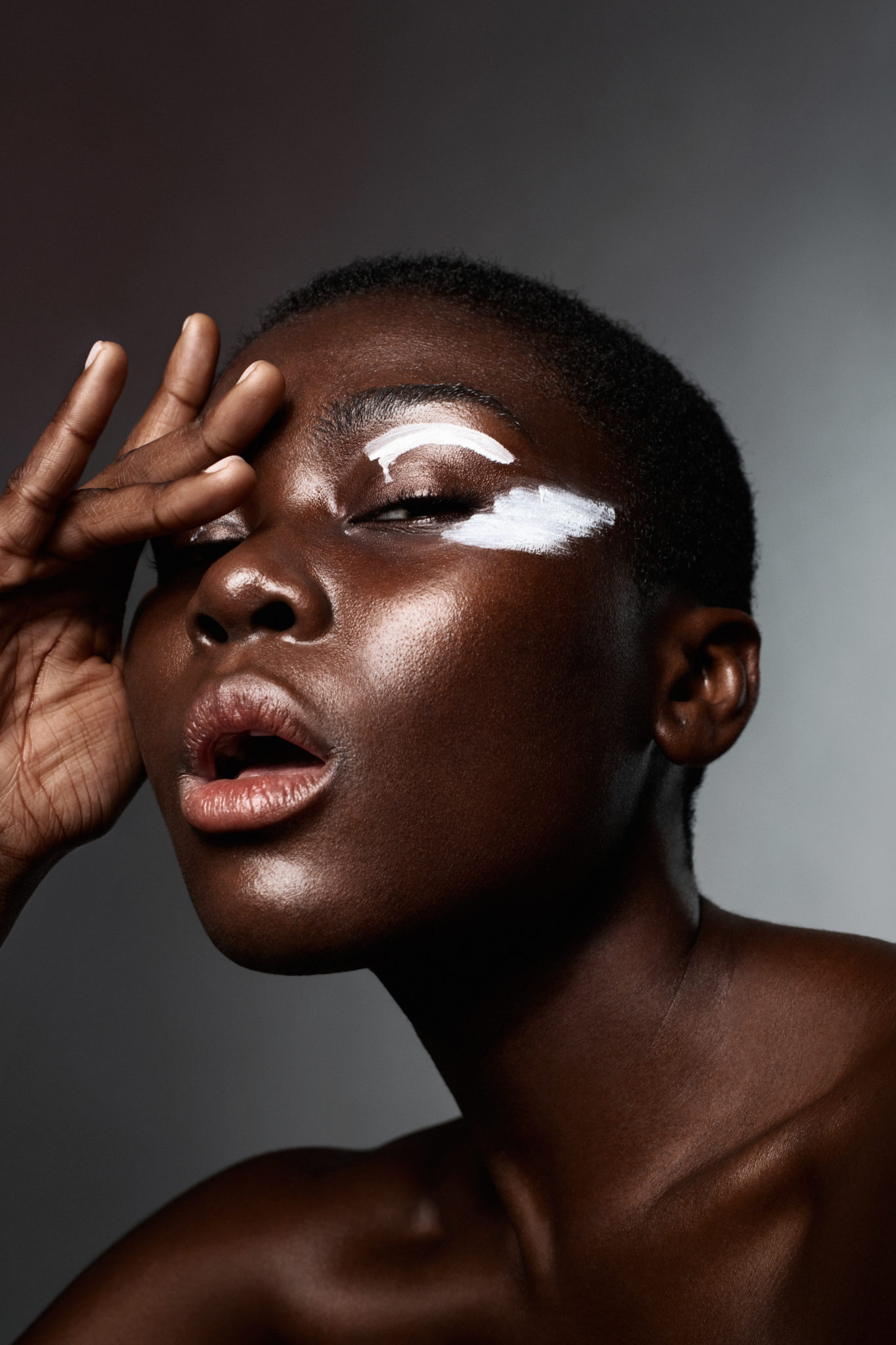 Color my face fashion story beauty editorial make up photography tina picard le dernier etage magazine webzine